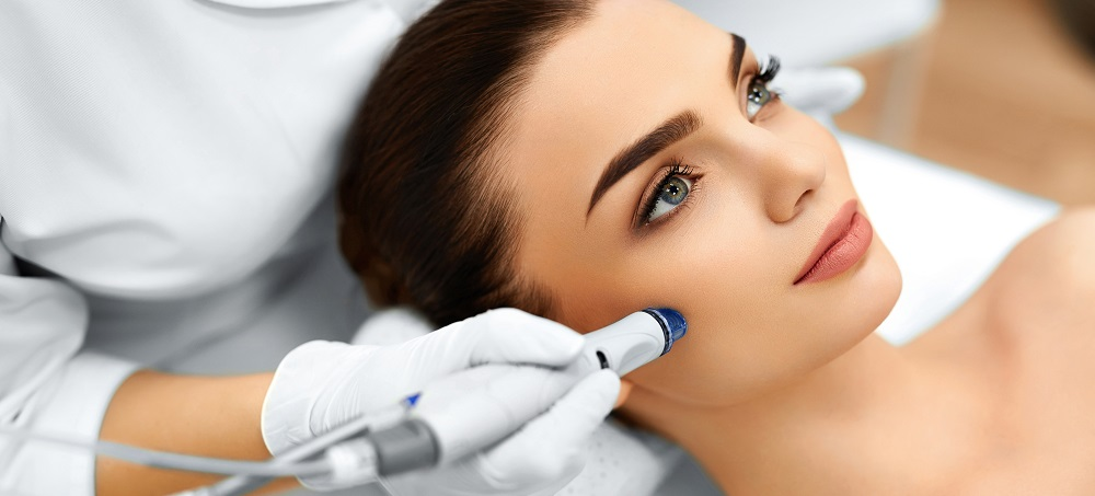 Microdermabrasion Treatment: AquaPure Facial by CanadaMedLaser