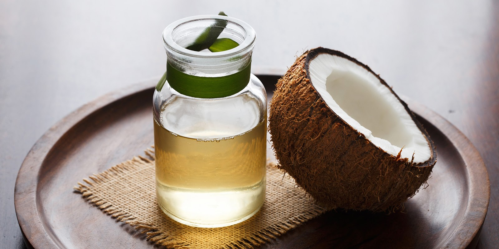 Coconut oil for dry skin treatment